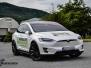 Tesla X foliert med diamond white pwf dekor