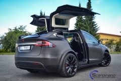 ny-tesla-model-x-foliert-i-matt-black-diamant-metallic-pwf-2