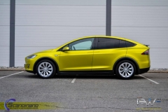 Tesla-X-foliert-i-Matt-Yellow-Flash-Mett-Scandinano_-5