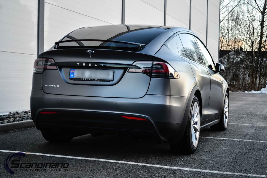 Tesla-X-foliert-i-Satin-Dark-Grey-Mettalic-Scandinano-6