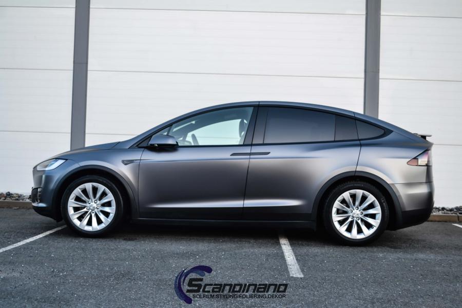 Tesla-X-foliert-i-Satin-Dark-Grey-Mettalic-Scandinano-7