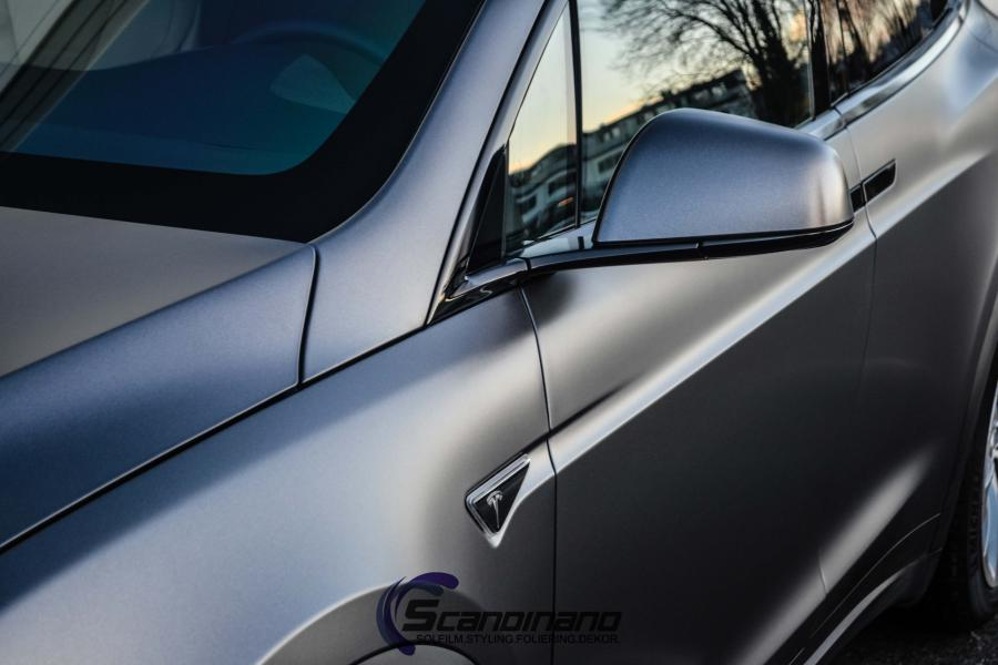 Tesla-X-foliert-i-Satin-Dark-Grey-Mettalic-Scandinano-8