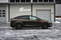 Tesla X foliert i Satin Gold Dust Black Scandinano-5