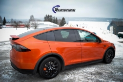 Tesla X foliert o Gloss Fiery Orange Scandinano-10
