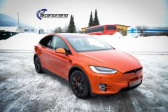 Tesla X foliert o Gloss Fiery Orange Scandinano-3