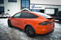 Tesla X foliert o Gloss Fiery Orange Scandinano-6