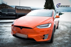 Tesla X foliert o Gloss Fiery Orange Scandinano-7