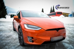 Tesla X foliert o Gloss Fiery Orange Scandinano-8