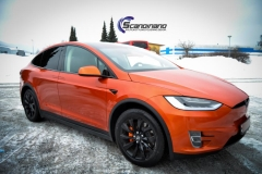 Tesla X foliert o Gloss Fiery Orange Scandinano-9