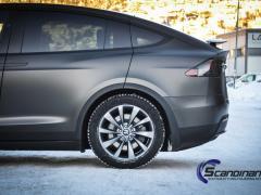 Tesla-X-Foliert-by-Scandinano_-2