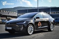 Tesla X model foliert med Night Gold Metallic-6