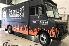 The Grill Pit  truck helfoliert med print folie-18