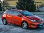 Toyota helfoliert med 3M Gloss Fiery Orange opprinelig farge er hvit