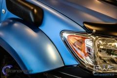 Toyota hilux foliert I matt andonized blue pwf-3