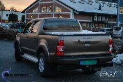Toyota-Hilux-foliert-i-Matt-Bronze-Bronze-PWF-Scandinano-3