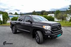 Toyota Tundra helfoliert med Black Satin fra 3M-5