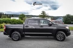 Toyota Tundra helfoliert med Black Satin fra 3M-6