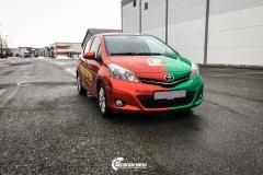Toyota Yaris helfoliert i 2 farger Gloss Green Envy, Gloss Dragon Fire Red (4 из 7)