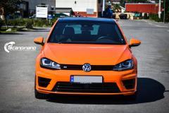Volkswagen Golf R foliert med  Orange Bright Gloss