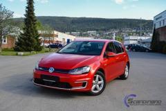 VW Golf foliert med red