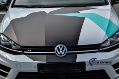 Volkswagen-golf-r-camo-design-sort-tak-9